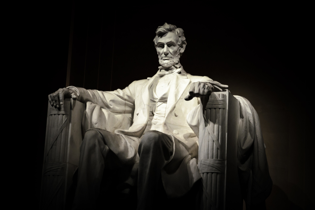 Abraham Lincoln statue photo