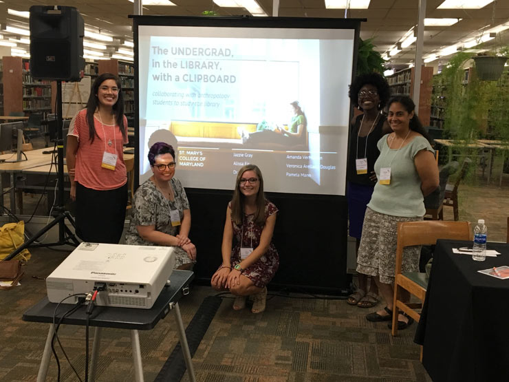 librarians-and-students-presentation