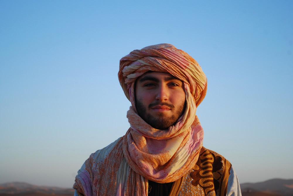 PLUZNIK,-Ari---Diversity,-Wearing-Salim's-Robes