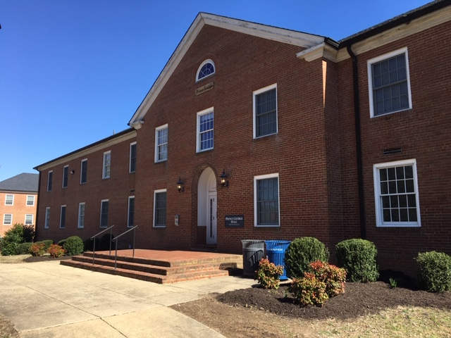 New Student Housing Contracts Available