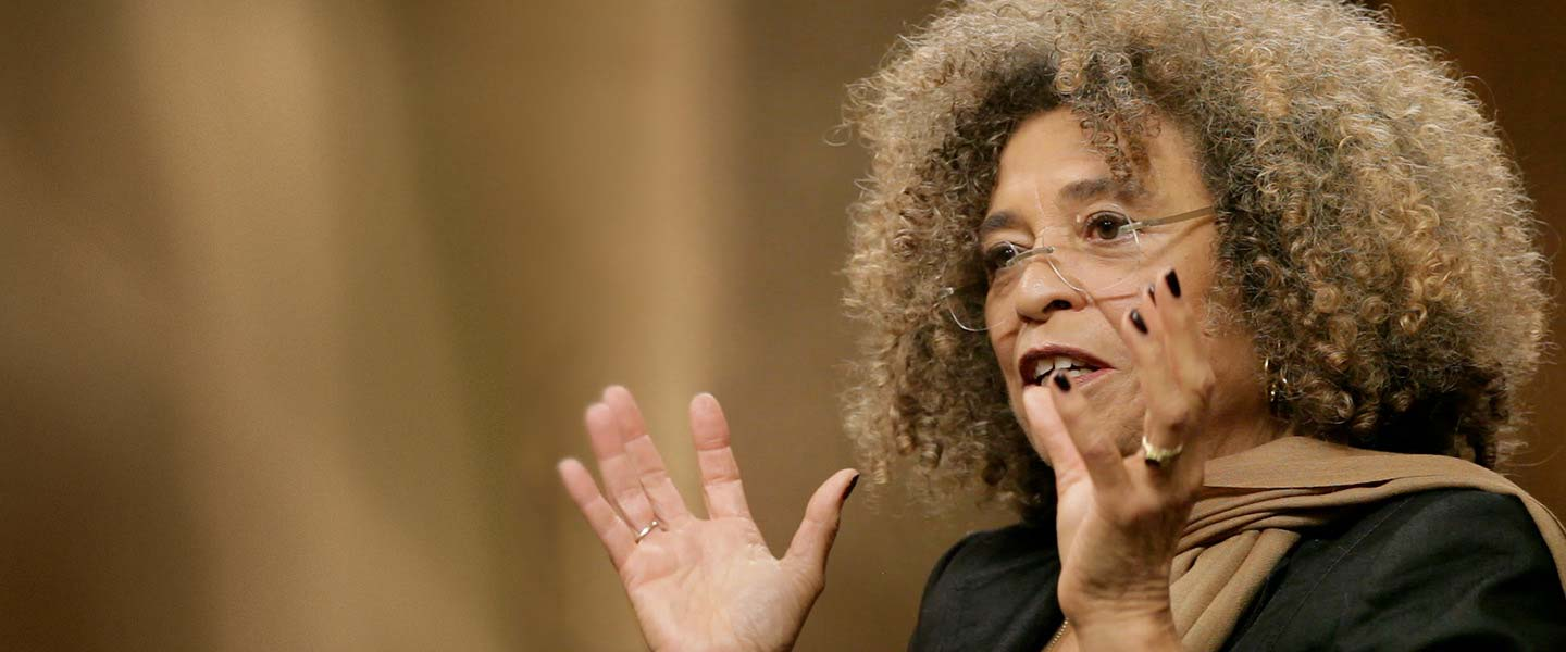 Image of Angela Davis speaking