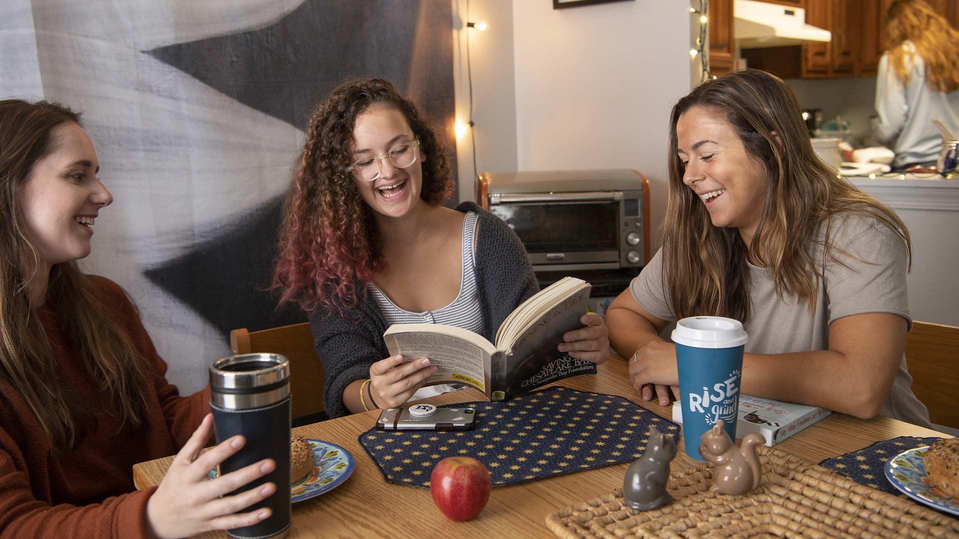 smcm-deposit-photo-illustration-students-in-dorms-2-bagels-n-books