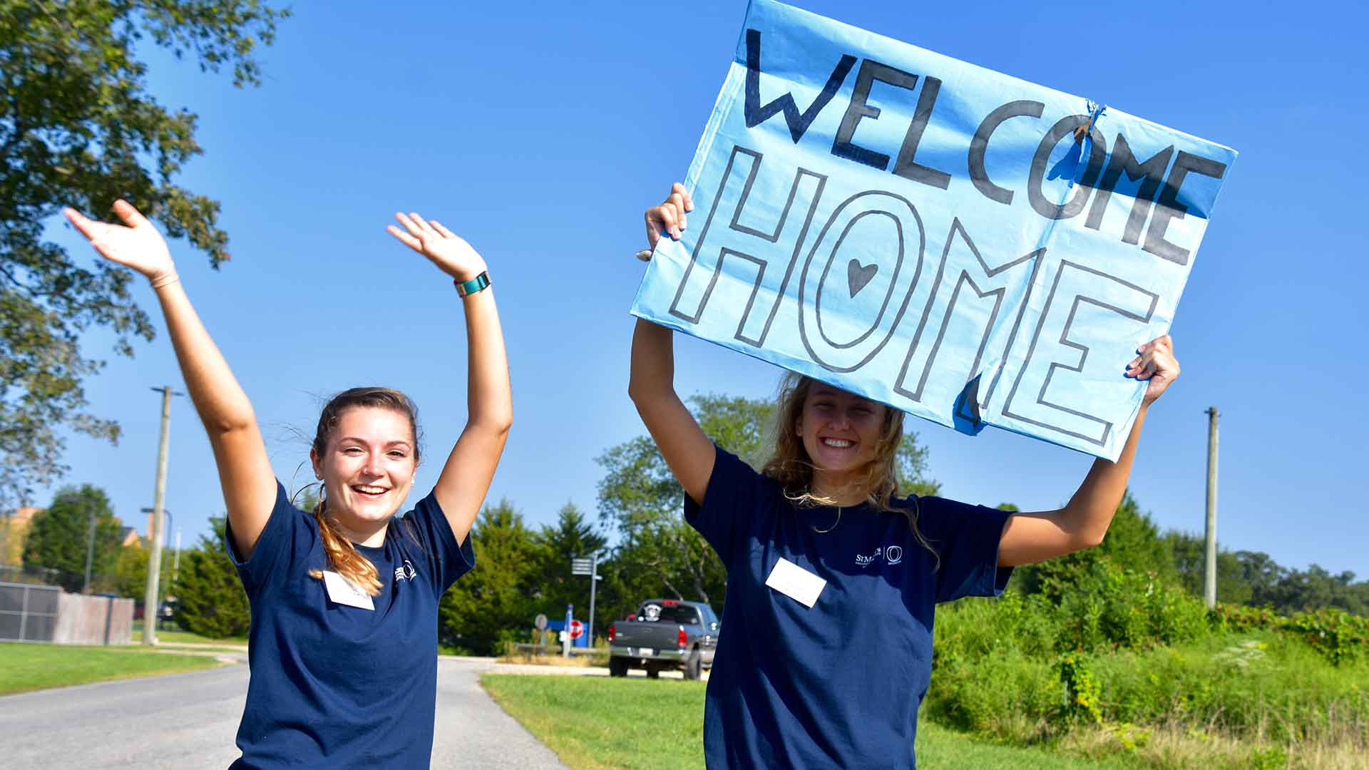 SMCM Orientation Team welcome new students at Move In Day