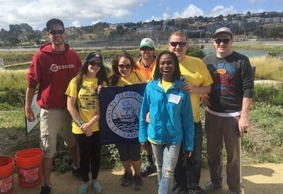 Alumni in San Francisco volunteer at one of our Bay to Bay Service Day projects